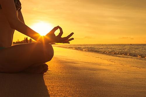 In de yoga helpt de adem voor innerlijke rust